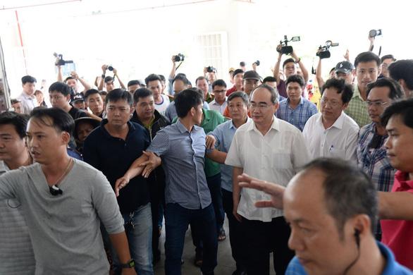 Bí thư Nguyễn Thiện Nhân thăm các hộ dân Thủ Thiêm - Ảnh 2.