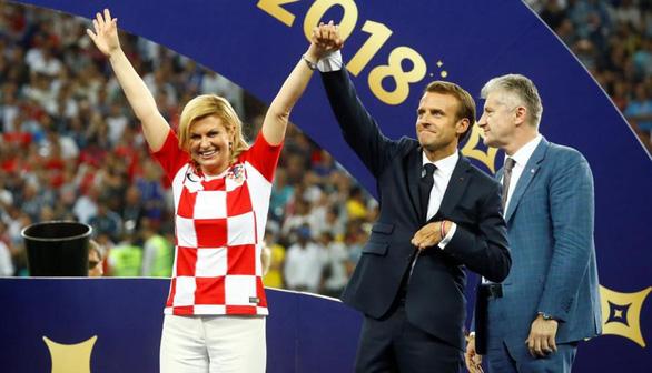 Một mùa World Cup quá đỉnh của bà trùm sân cỏ - nữ Tổng thống Croatia - Ảnh 1.