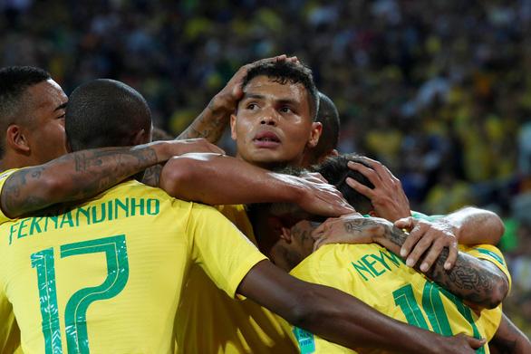 Nguyện cắt tóc soái ca, thăm quê nếu thần tượng vô địch World Cup - Ảnh 3.