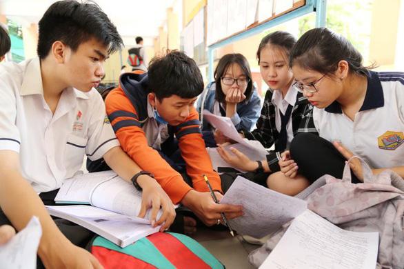 Học sinh THCS Lào Cai không còn phải đi học ngày thứ bảy - Ảnh 1.