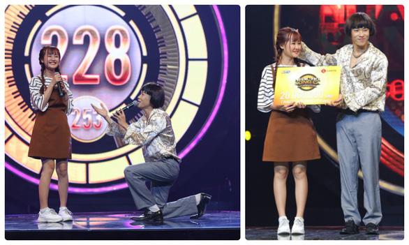 Kay Trần hát Cô gái mét 52 nhất tuần Nhạc hội song ca - Ảnh 1.