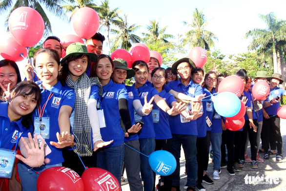 Sinh viên Đà Nẵng lên rừng, ra đảo, làm tình nguyện ở Lào - Ảnh 4.