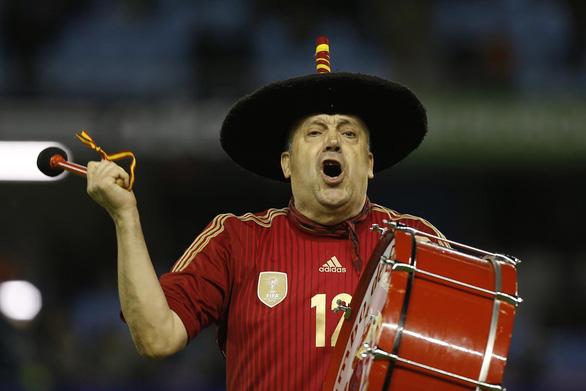 Manolo - cầu thủ thứ 12 của Tây Ban Nha suốt 36 năm - Ảnh 2.