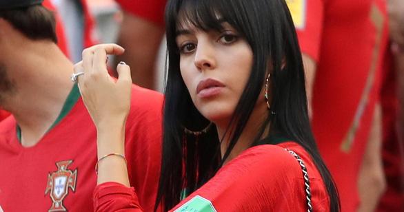 Bạn gái Ronaldo bị trút giận sau thất bại của CR7 ở World Cup - Ảnh 4.