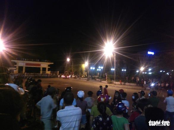 Truy tố 17 bị can gây rối ở Bình Thuận - Ảnh 1.