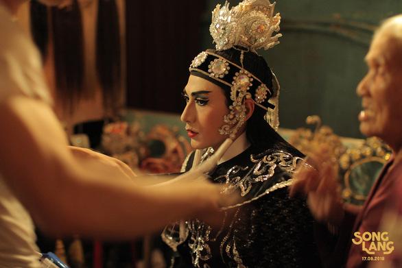 Song Lang tung teaser có Isaac vào vai kép chánh Linh Phụng - Ảnh 12.
