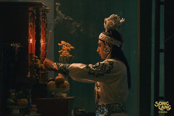 Song Lang tung teaser có Isaac vào vai kép chánh Linh Phụng - Ảnh 9.