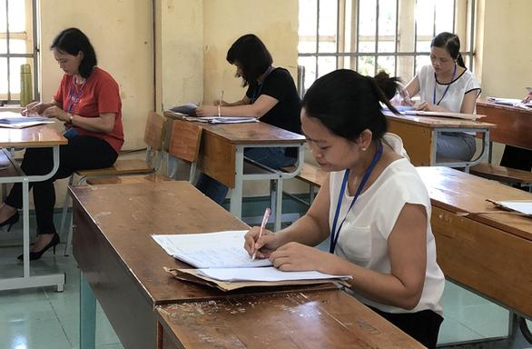 Chấm thi THPT quốc gia: đã có điểm 9 môn văn - Ảnh 3.