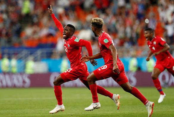 Ấn tượng tuyệt đẹp từ 4 đội bóng rời World Cup về nước sớm - Ảnh 7.