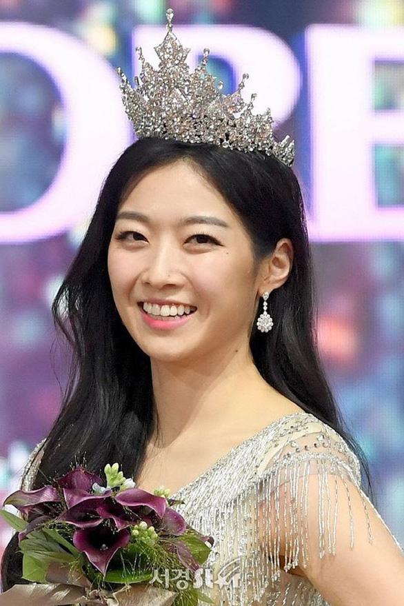 5-7: Lý Hùng cá độ, Quang Đăng bị lừa, hoa hậu Hàn Quốc bị chê - Ảnh 10.