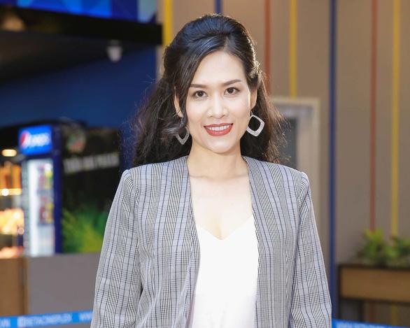 Chị Nguyệt thảo mai Hà Hương làm cô giáo trong Mỹ nhân thần sách - Ảnh 1.