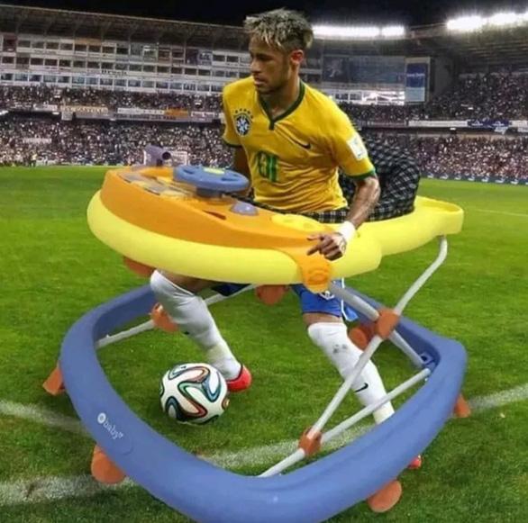 Khi chó mèo biết té và ăn vạ giống Neymar ở World Cup - Ảnh 6.