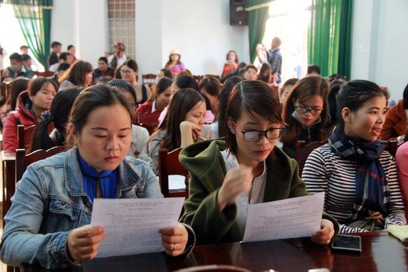 Sẽ thanh lý hợp đồng hơn 500 giáo viên dôi dư đúng quy định - Ảnh 2.