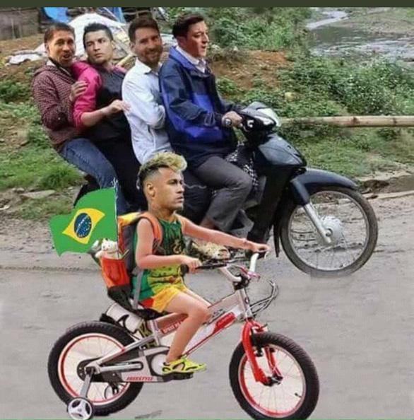 Fan chế Neymar: Từ cầu thủ thành diễn viên lăn và anh bán gà rán - Ảnh 8.