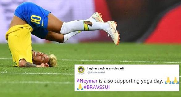 Fan chế Neymar: Từ cầu thủ thành diễn viên lăn và anh bán gà rán - Ảnh 2.