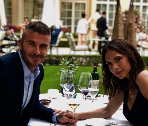 Trước thềm tứ kết, Zlatan và Beckham hẹn lịch… đi mua đồ - Ảnh 3.