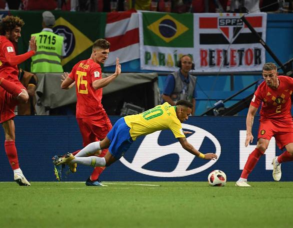 Chú bé chăn cừu Neymar biến World Cup thành Euro - Ảnh 4.