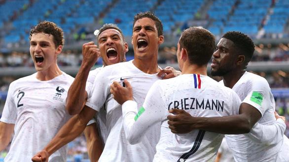 Tổng thống Pháp bị chỉ trích vì mê World Cup hơn người dân - Ảnh 2.