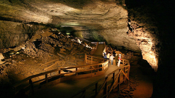 Thông điệp cầu cứu trong chiếc hộp từ hang động ở Kentucky - Ảnh 1.