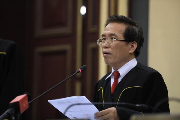 Nghi phạm thảm sát gia đình 5 người ở Bình Tân lạnh lùng hầu tòa - Ảnh 8.