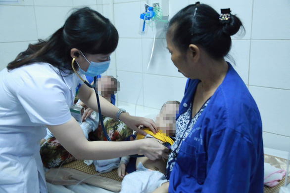 90% trẻ nhiễm bệnh sởi chưa tiêm ngừa - Ảnh 1.