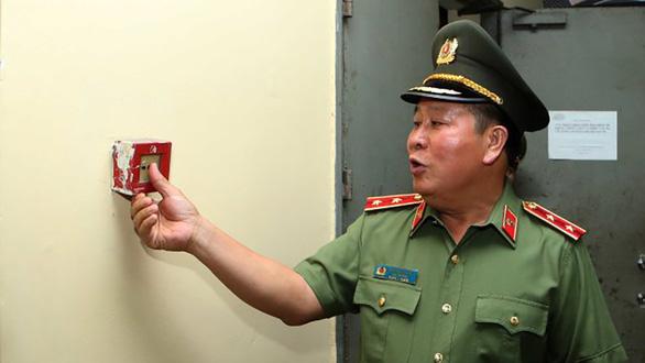 Xóa tư cách phó tổng cục trưởng đối với ông Bùi Văn Thành - Ảnh 1.