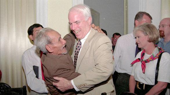 John McCain và ba thập kỷ thúc đẩy quan hệ Việt - Mỹ - Ảnh 3.