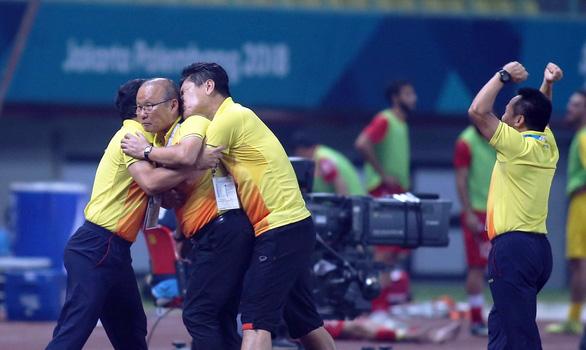 Kỳ tích của bóng đá Việt - Ảnh 3.