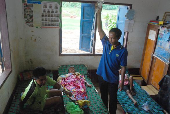 Lính Cụ Hồ sang Lào giúp bạn - Ảnh 3.