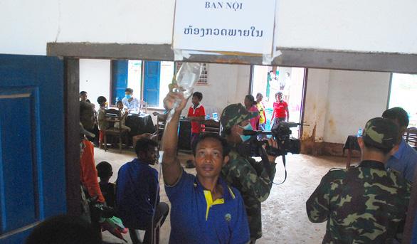 Lính Cụ Hồ sang Lào giúp bạn - Ảnh 10.