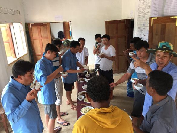 Lính Cụ Hồ sang Lào giúp bạn - Ảnh 17.