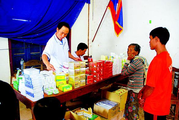 Lính Cụ Hồ sang Lào giúp bạn - Ảnh 6.