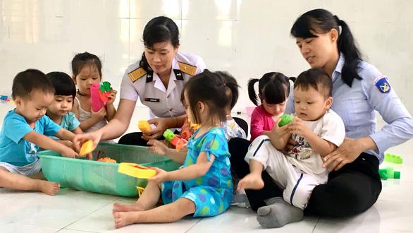 Khi cô giáo là bộ đội hải quân - Ảnh 1.