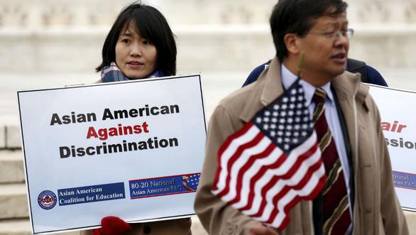 Harvard bị tố phân biệt đối xử sinh viên gốc Á - Ảnh 1.