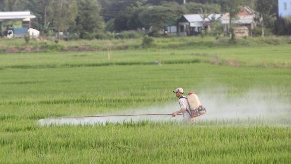 Giúp nông dân làm nông sản sạch - Ảnh 1.