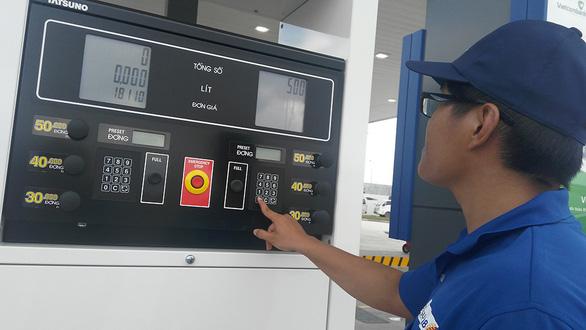 Sửa công thức tính giá xăng dầu - Ảnh 1.