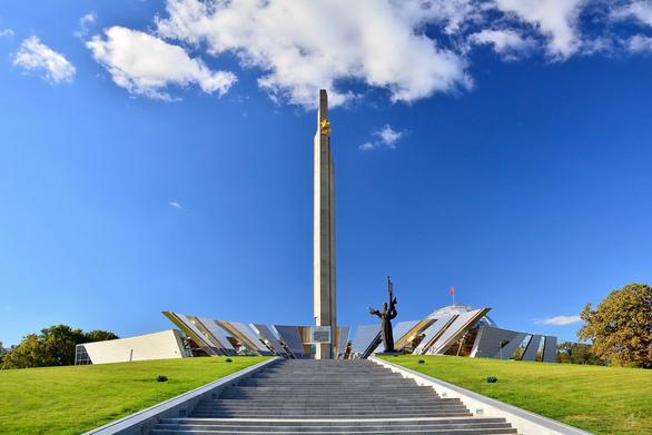 Thăm Bảo tàng chiến tranh Vệ quốc vĩ đại ở Minsk - Ảnh 1.