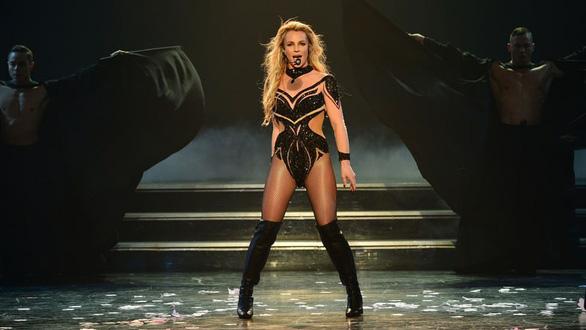 Chi Pu, Min, Lady Gaga, Britney và thời của quảng cáo tấn công âm nhạc - Ảnh 5.