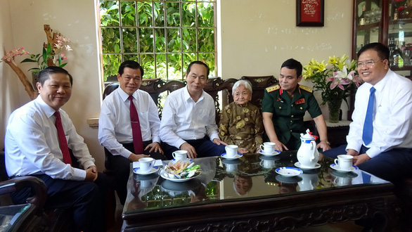 Chủ tịch nước chúc Tết cảnh sát biển, Mẹ Việt Nam Anh hùng - Ảnh 2.