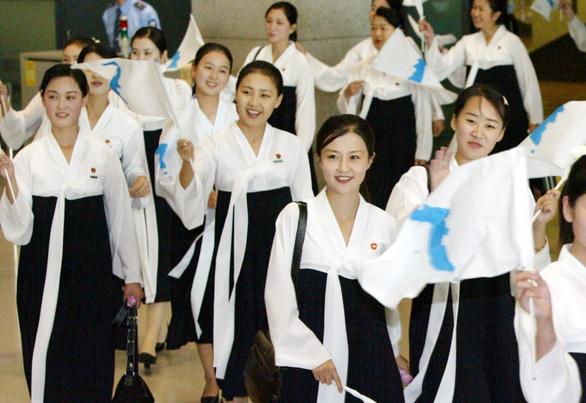 Ngắm binh đoàn mỹ nữ Triều Tiên trong các kỳ thể thao - Ảnh 1.