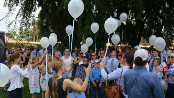 Dân Úc sốc vụ bé gái tự tử vì bị bắt nạt trên mạng - Ảnh 2.