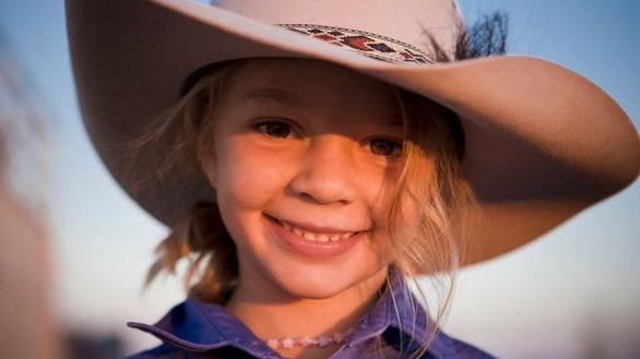 Dân Úc sốc vụ bé gái tự tử vì bị bắt nạt trên mạng - Ảnh 1.