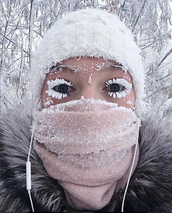 Hình ảnh khó tưởng ở nơi lông mi cũng đóng băng - Ảnh 1.