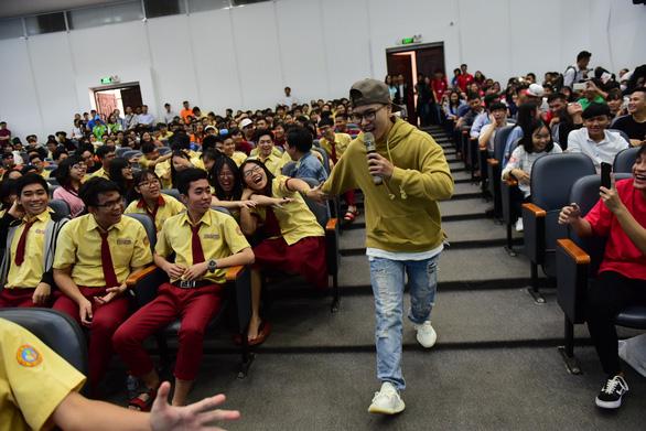 'Thời điểm vàng' để học sinh giải tỏa thắc mắc về kỳ thi THPT quốc gia - Ảnh 3.