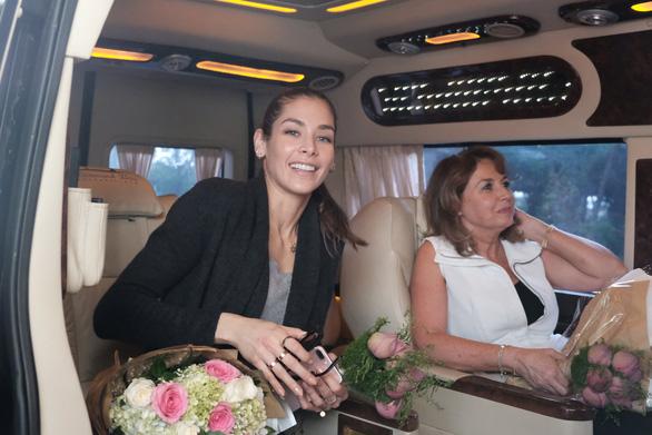 Hoa hậu hoàn vũ thế giới 2008 vừa đến Khánh Hòa  - Ảnh 7.
