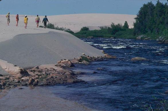 Ngắm những đụn cát đẹp như dải ngân hà - Ảnh 7.