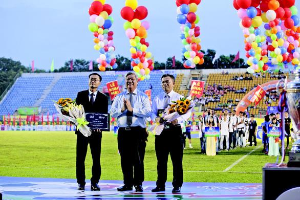 Nhiều tuyển thủ U-23 VN tranh tài Giải Bóng đá quốc tế truyền hình Bình Dương - Ảnh 1.