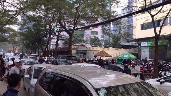 Sau Sài Gòn, tài xế Grab và Uber tại Hà Nội phản đối mức chiết khấu - Ảnh 5.