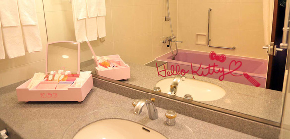 Làm công chúa trong khách sạn Hello Kitty - Ảnh 4.