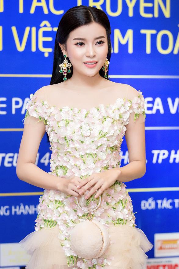 Á hậu Khánh Phương đồng hành cùng Hoa hậu biển  - Ảnh 3.